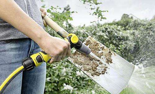 không cần mất nhiều thời gian và công sức để cọ rửa công cụ làm vườn