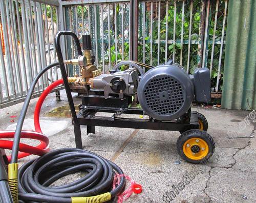 Máy rửa xe dây đai xuất xứ từ Nhật Bản