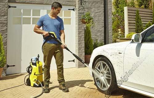 Máy rửa xe ô tô gia đình được nhiều người dùng lựa chọn