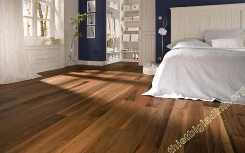 Sàn gỗ công nghiệp cũng rất được ưa chuộng nhờ nhiều mẫu mã