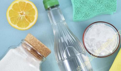 Sử dụng các nguyên liệu từ thiên nhiên để làm sạch sàn nhà