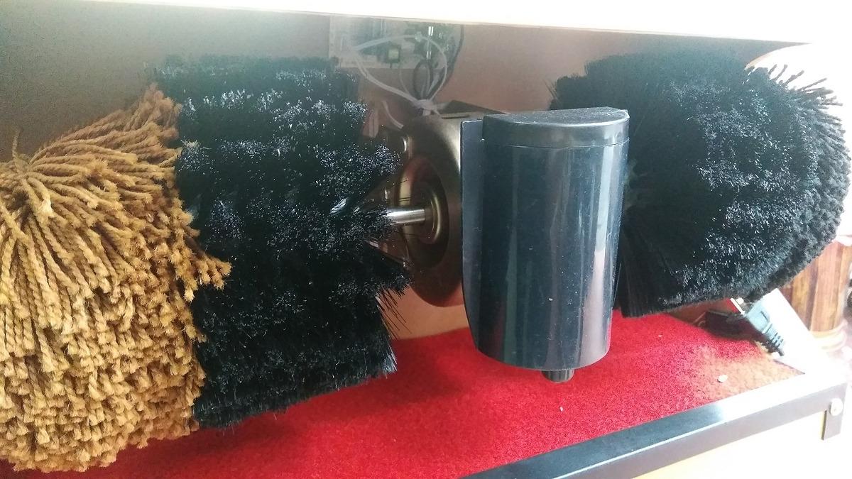 Cách vệ sinh và tháo lắp chổi máy đánh giày