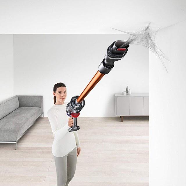 Trọng lượng nhẹ, ống nối dài giúp hút bụi trên cao vô cùng hiệu quả