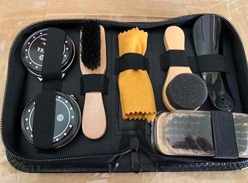 đầy đủ dụng cụ của bộ đánh giày gồm những gì
