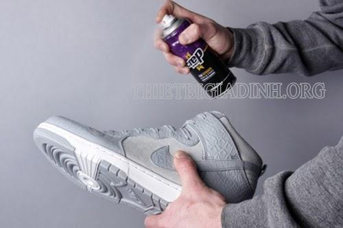 Xi đánh giày vải