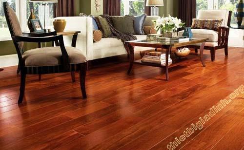 Sàn gỗ tự nhiên tạo không gian sang trọng, ấm áp