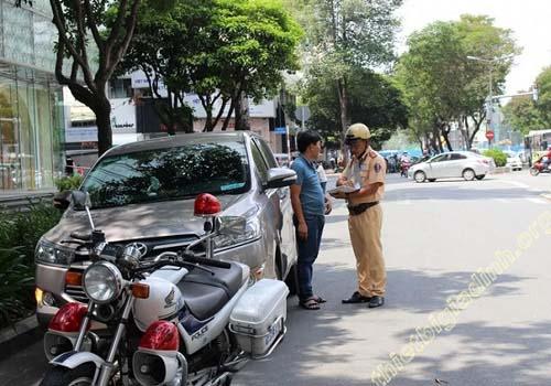 Phạt từ 4.000.000 – 6.000.000 đồng nếu không có giấy phép lái xe