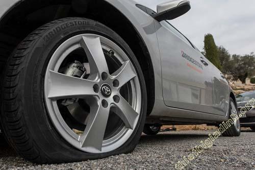 Vá lốp xe ô tô bao nhiêu tiền