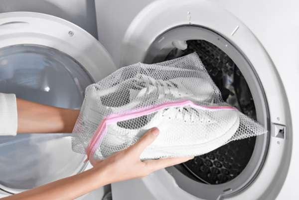 Cách giặt giày với máy giặt an toàn nhất